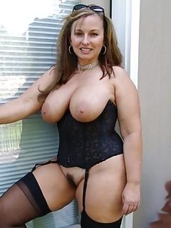 Big booty mature tgp